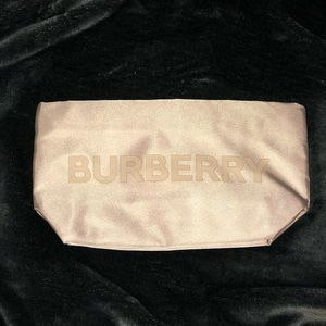 🆕 Burberry Cosmetic Bag